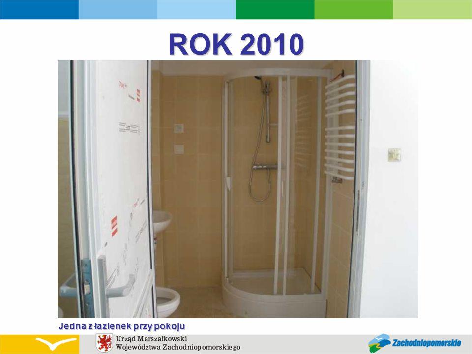 ROK 2010 Jedna z łazienek przy pokoju