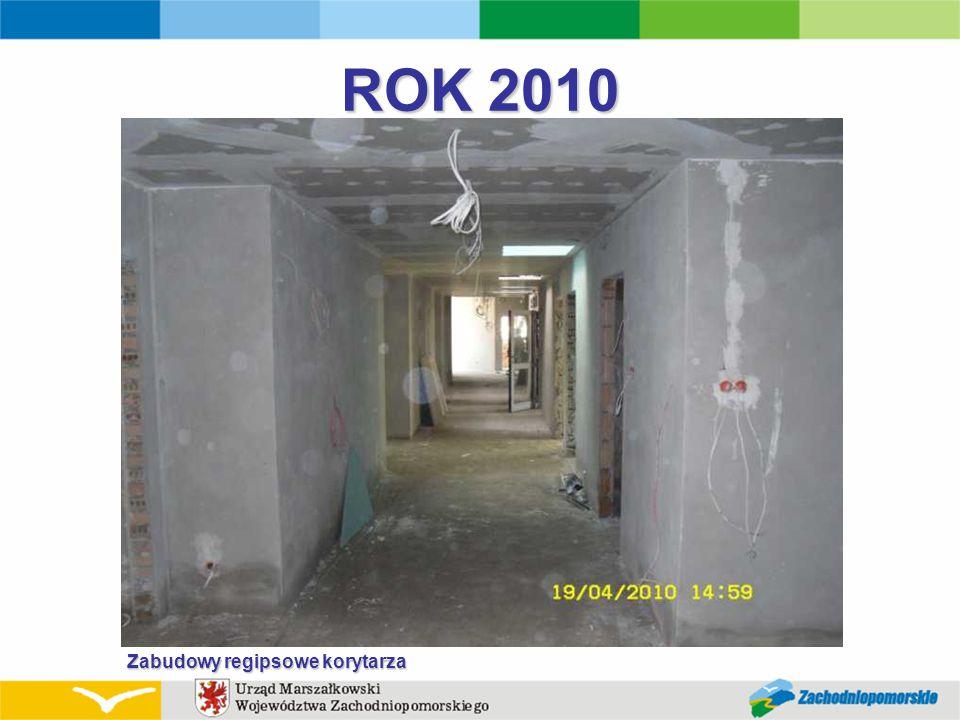 ROK 2010 Zabudowy regipsowe korytarza