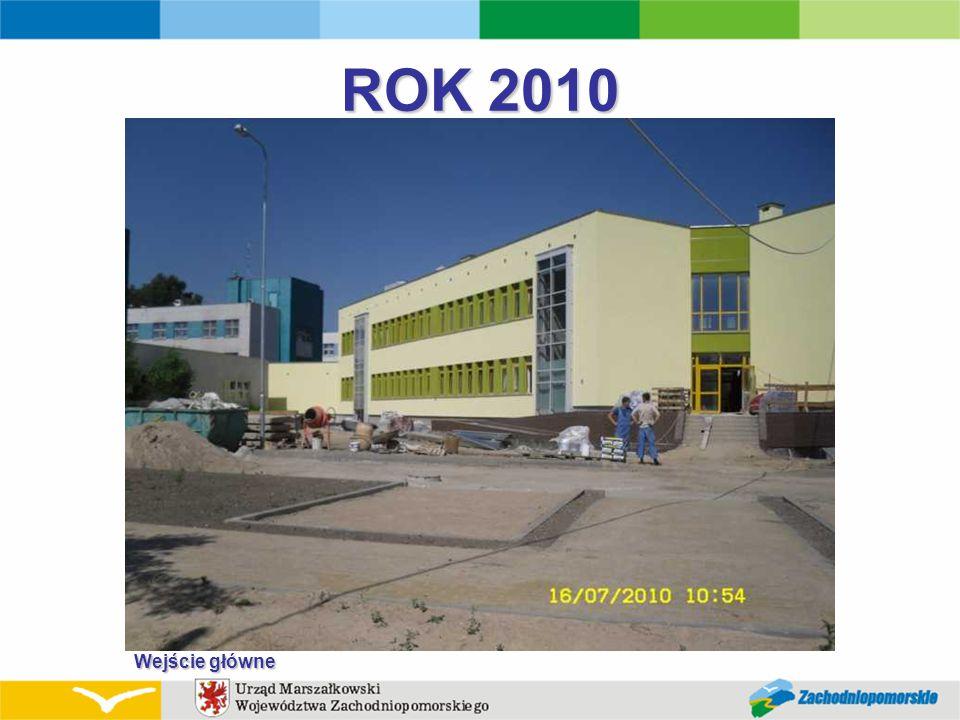 ROK 2010 Wejście główne