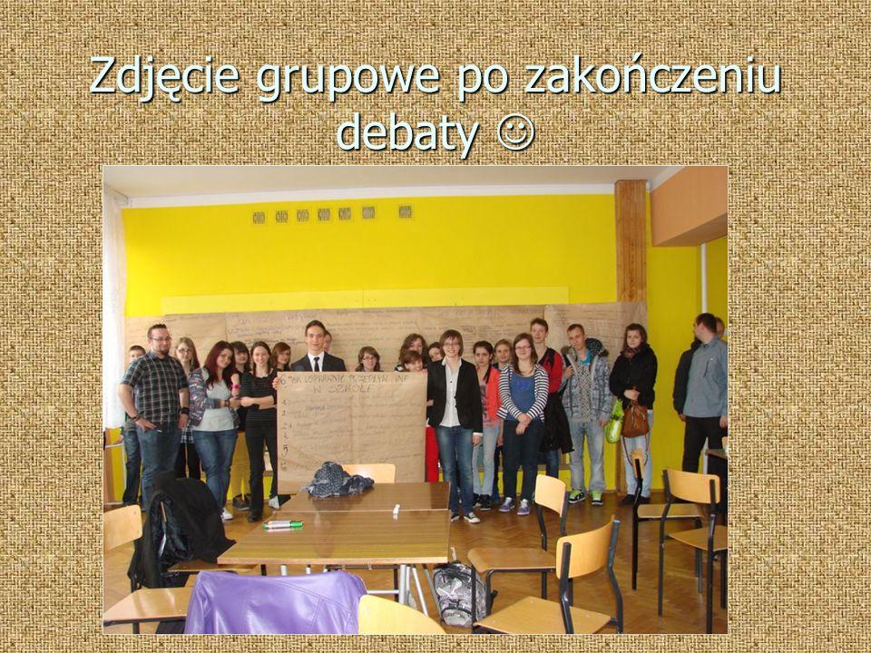 Zdjęcie grupowe po zakończeniu debaty Zdjęcie grupowe po zakończeniu debaty