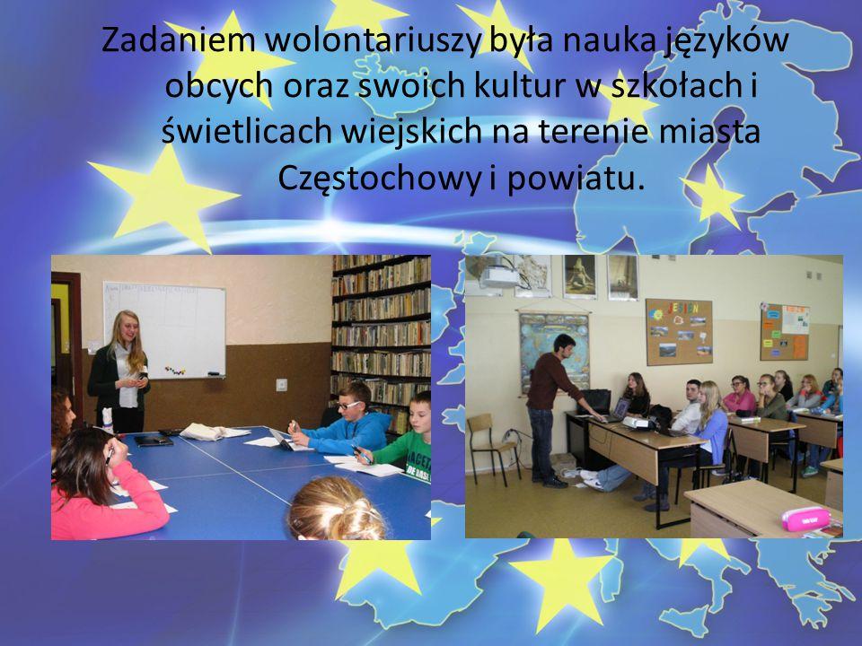 Zadaniem wolontariuszy była nauka języków obcych oraz swoich kultur w szkołach i świetlicach wiejskich na terenie miasta Częstochowy i powiatu.
