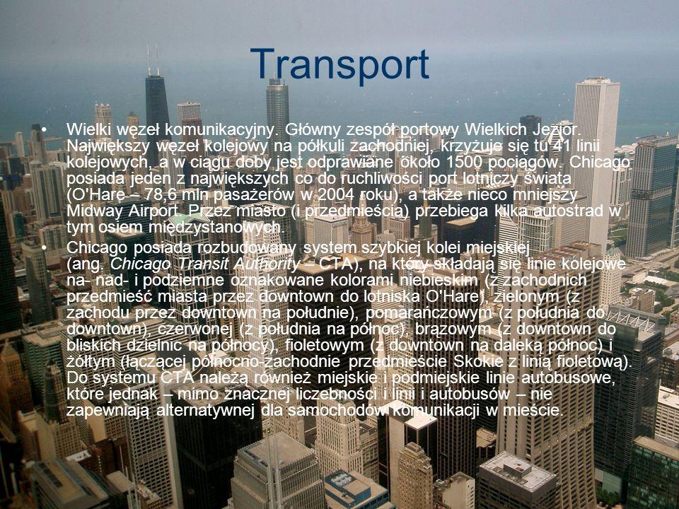 Transport Wielki węzeł komunikacyjny. Główny zespół portowy Wielkich Jezior. Największy węzeł kolejowy na półkuli zachodniej, krzyżuje się tu 41 linii