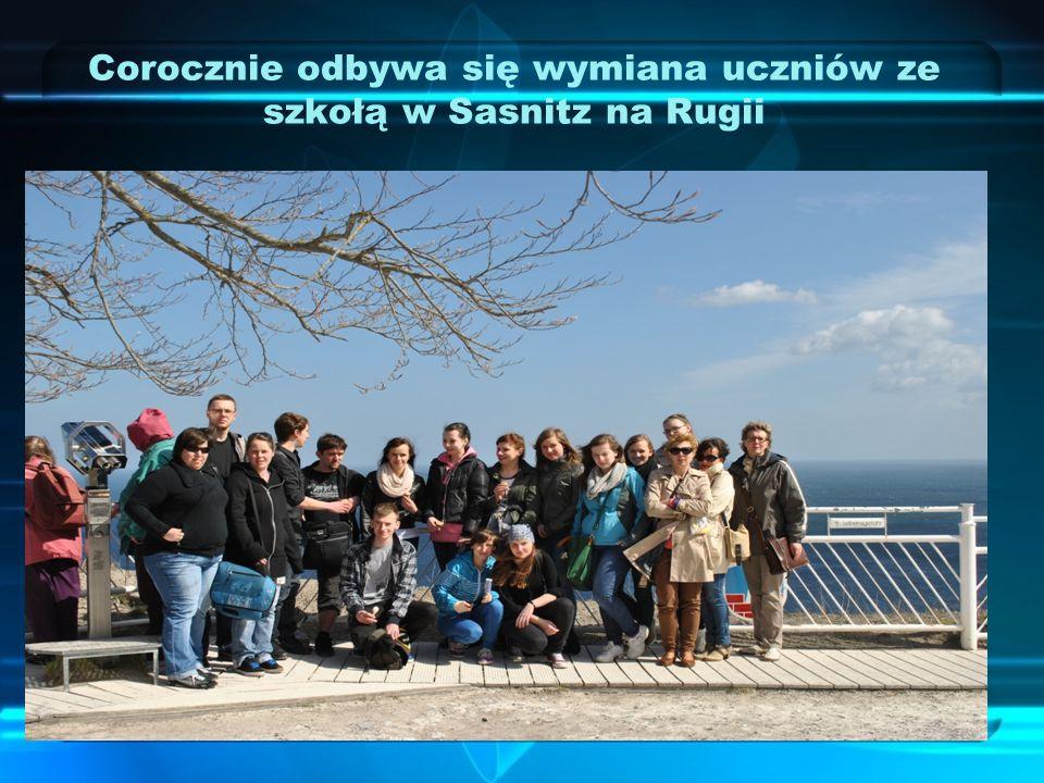 Corocznie odbywa się wymiana uczniów ze szkołą w Sasnitz na Rugii