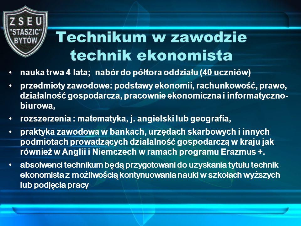 Technikum w zawodzie technik handlowiec nauka trwa 4 lata planujemy nab ó r młodzieży do jednego oddziału (24 uczni ó w) przedmioty zawodowe: organizacja i techniki sprzedaży, marketing, obsługa klientów, przedsiębiorca w handlu, pracownie: sprzedaży i informatyczno handlowa Rozszerzenie: matematyka, język angielski lub niemiecki praktyka zawodowa w firmach handlowych, hurtowniach i sklepach, także w Anglii i Niemczech w ramach programu Erazmus+ przewiduje się wymianę uczniów ze szkołami w Niemczech absolwenci technikum będą przygotowani do uzyskania tytułu technik handlowiec z możliwością kontynuowania nauki w szkołach wyższych lub podjęcia pracy