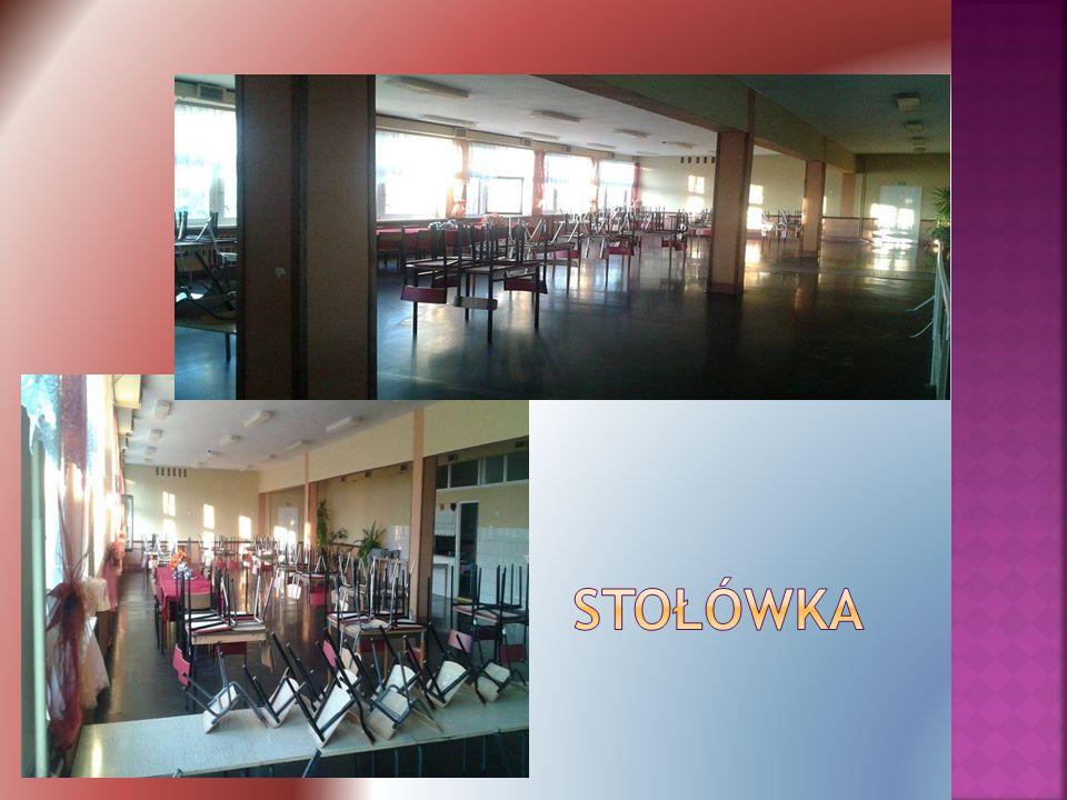  Oddziały przedszkolne, oraz uczniowie klas 1-3 podstawówki, jedzą tam śniadanie.
