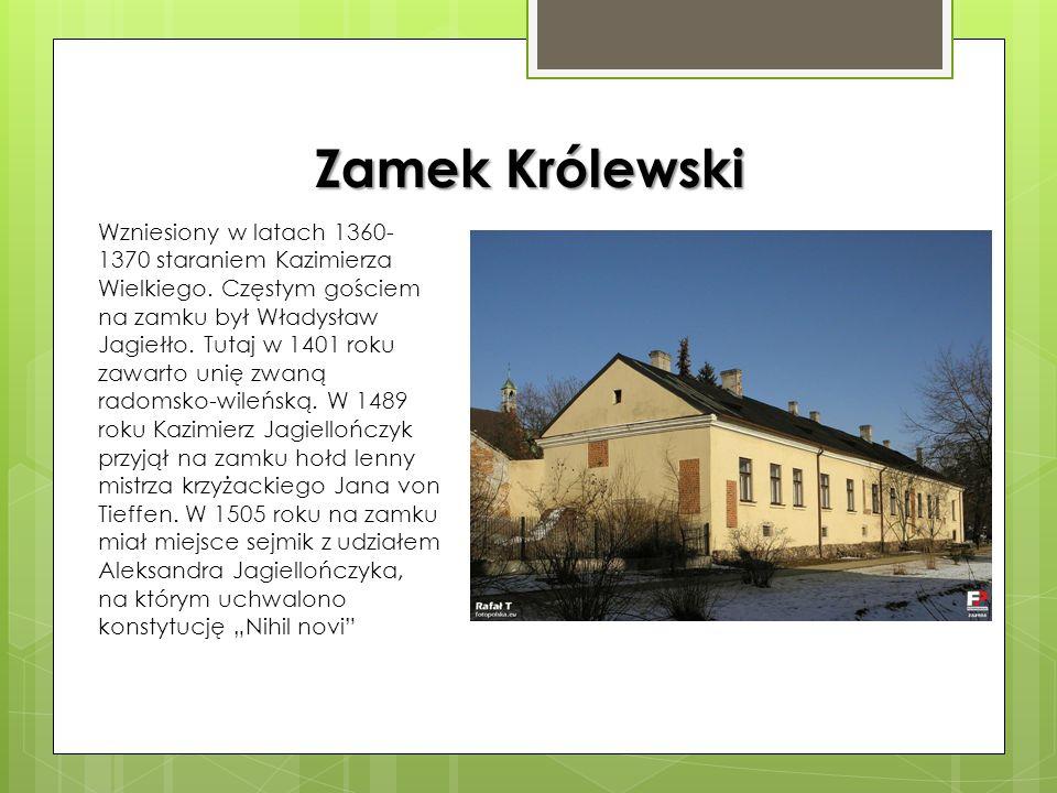 Kościół ufundowany przez Kazimierza Wielkiego. Wybudowany w latach 1360- 1370 w stylu gotyckim. W latach 1630-1633 wzniesiono z fundacji Jana Kochanow