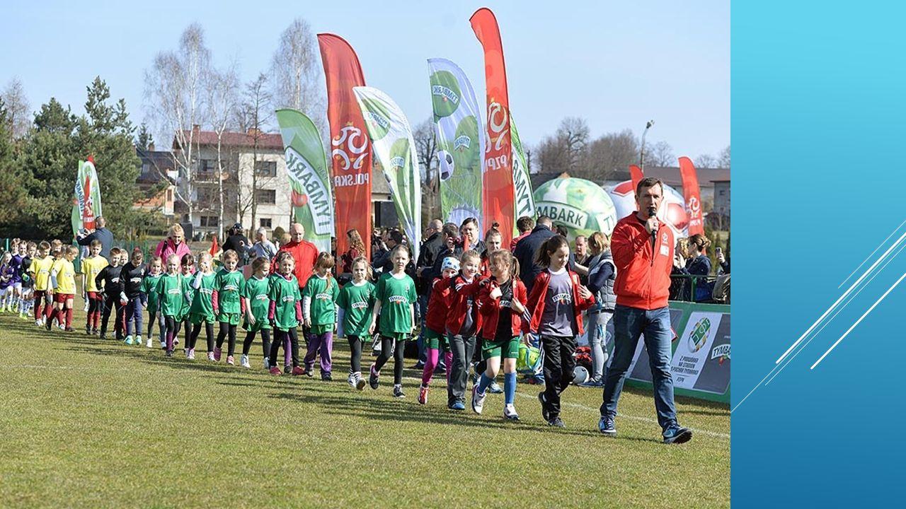 Do turnieju w naszym regionie zgłoszono ponad 10.000 zawodniczek i zawodników reprezentujących ponad 900 drużyn, we wszystkich kategoriach wiekowych: - 8 latków -10 latków - -12 latków Zgodnie z regulaminem zespoły reprezentowały Szkoły, Uczniowskie Kluby Sportowe i Akademie Młodego Orlika.