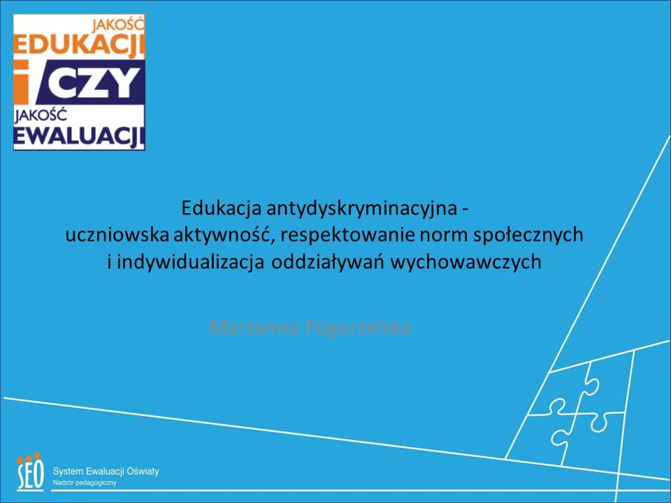 Badanie społeczności szkolnej Ankieta skali dystansu społecznego Rom osoba czarno- skóra osoba powyżej 70 roku życia osoba niewierzą-ca osoba pochodze- nia żydowskie- go osoba homoseksua lna osoba niepełnosp rawna fizycznie Świadek Jehowy imi- grant wyznaw- ca Islamu Sprawował/a znaczącą funkcję polityczną w Polsce: tak/nie tak/nie tak/nie tak/nie tak/nie tak/nie tak/nie tak/nie tak/nie tak/nie Był/a nauczycielem/lką w Twojej szkole: tak/nie tak/nie tak/nie tak/nie tak/nie tak/nie tak/nie tak/nie tak/nie tak/nie By/ał Twoim sąsiadem: tak/nie tak/nie tak/nie tak/nie tak/nie tak/nie tak/nie tak/nie tak/nie tak/nie By ł/a Twoim lekarzem: tak/nie tak/nie tak/nie tak/nie tak/nie tak/nie tak/nie tak/nie tak/nie tak/nie Był/a Twoim przyjacielem : tak/nie tak/nie tak/nie tak/nie tak/nie tak/nie tak/nie tak/nie tak/nie tak/nie Był/a członkiem Twojej rodziny: tak/nie tak/nie tak/nie tak/nie tak/nie tak/nie tak/nie tak/nie tak/nie tak/nie Odpowiedz szczerze na poniższe pytania, zakreślając odpowiedź zgodną Twoimi przekonaniami Czy, gdyby zależało to wyłącznie od Ciebie, zgodziłbyś/abyś się, aby: