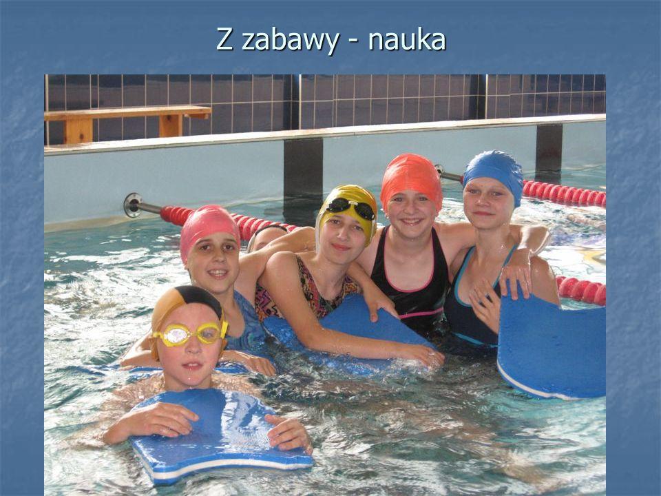 """""""Wesoły Delfinek - nauka pływania na basenie"""