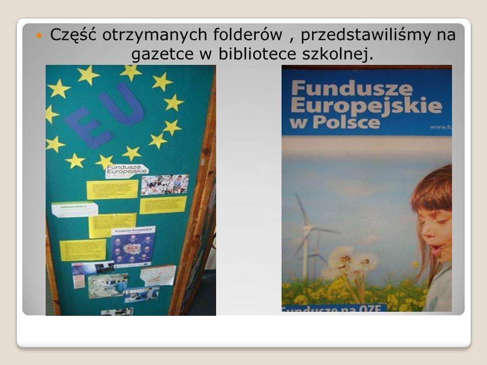 Materiały o Unii Europejskiej, pozycje książkowe i czasopisma oraz ulotki o funduszach unijnych, wykorzystaliśmy do wystawki, którą ustawiliśmy w czytelni szkolnej.