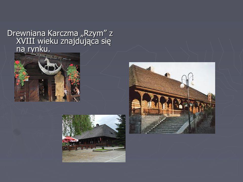 Sucha Beskidzka - miejsca warte do zwiedzenia ► Zamek Suski zwany Małym Wawelem Przy zamku - park typu krajobrazowego z XVIII/XIX wieku.