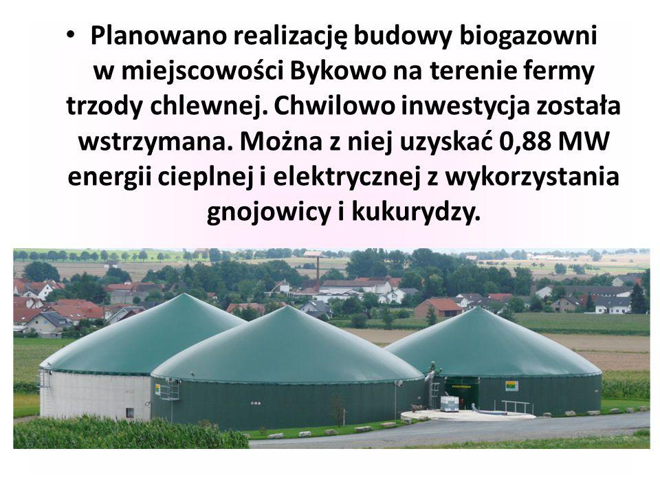 Planowano realizację budowy biogazowni w miejscowości Bykowo na terenie fermy trzody chlewnej. Chwilowo inwestycja została wstrzymana. Można z niej uz