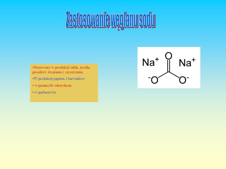 Węglan sodu Węglan sodu Na 2 CO 3 zwany zwyczajowo sodą kalcynowaną lub amoniakalną to biała substancja krystaliczna, rozpuszczalna w wodzie posiada w