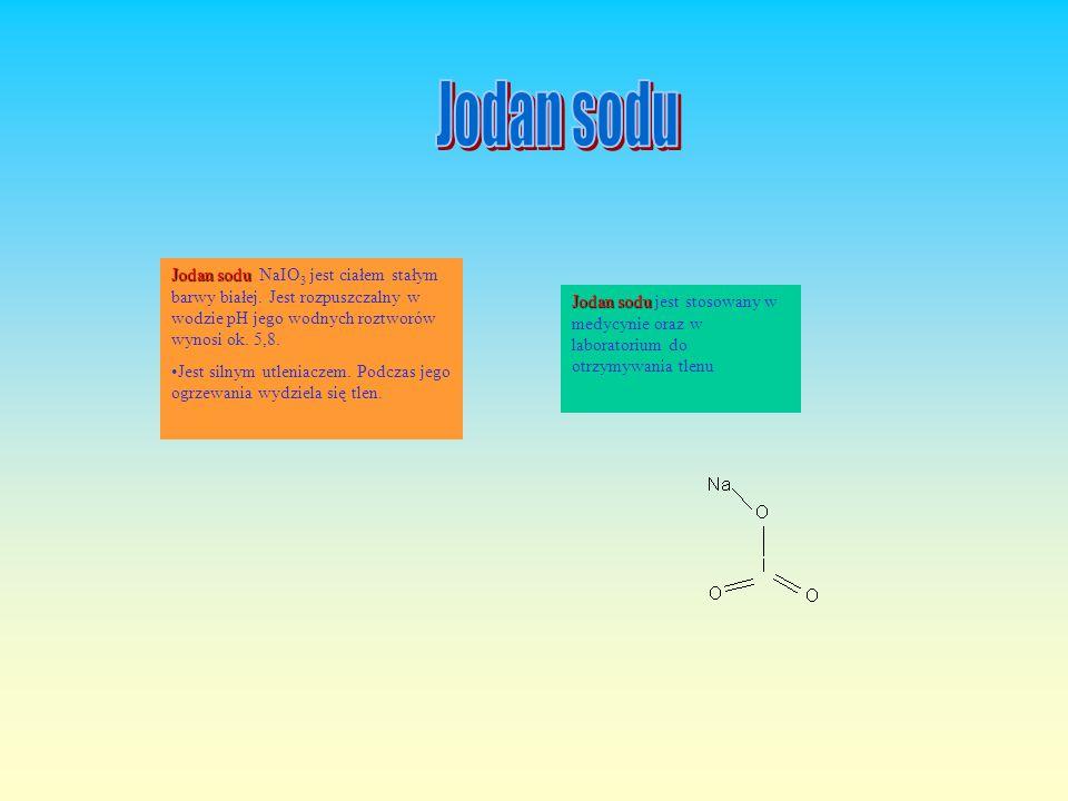 Nadsiarczan sodu Nadsiarczan sodu Na 2 S 2 O 8 jest białym, krystalicznym ciałem stałym bez zapachu, rozpuszczalnym w wodzie (tworzy roztwór o odczyni