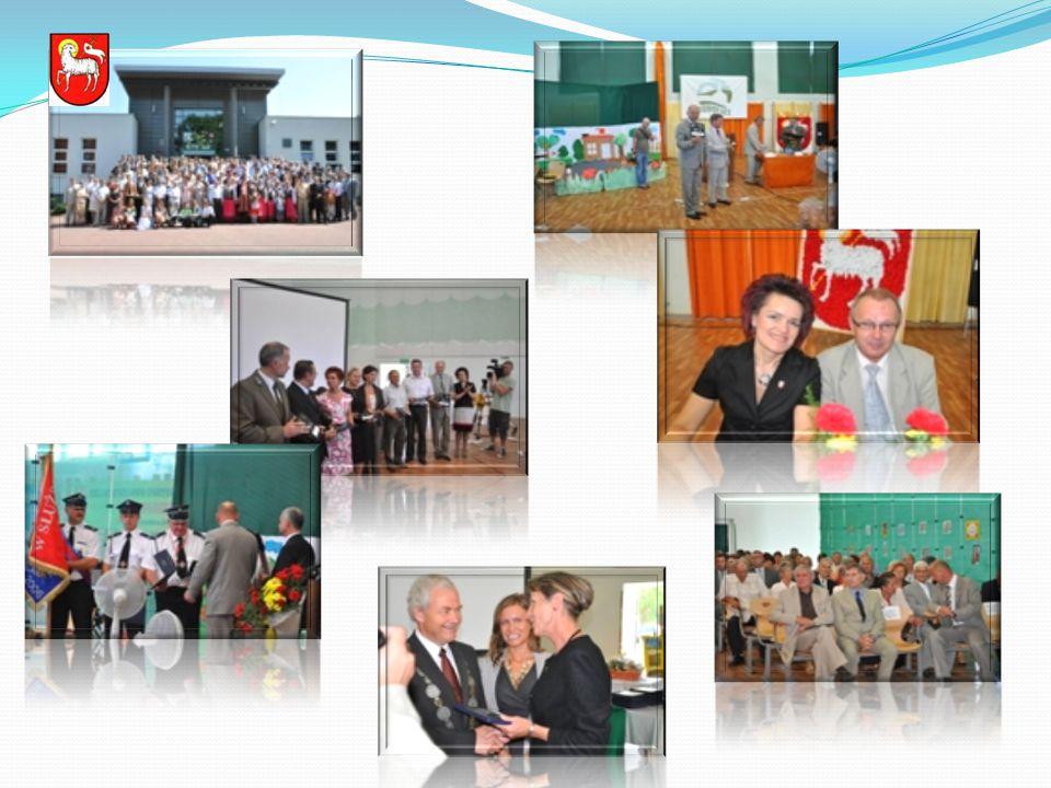 W trakcie uroczystości głos zabrał Burmistrz Bobolic Sylwester Sobański, który mówił o historii miasta oraz gminy, wyzwaniach i założeniach, które udało się zrealizować do tej pory oraz o rzeczach, które należy zrobić, by w Bobolicach żyło się jeszcze lepiej.
