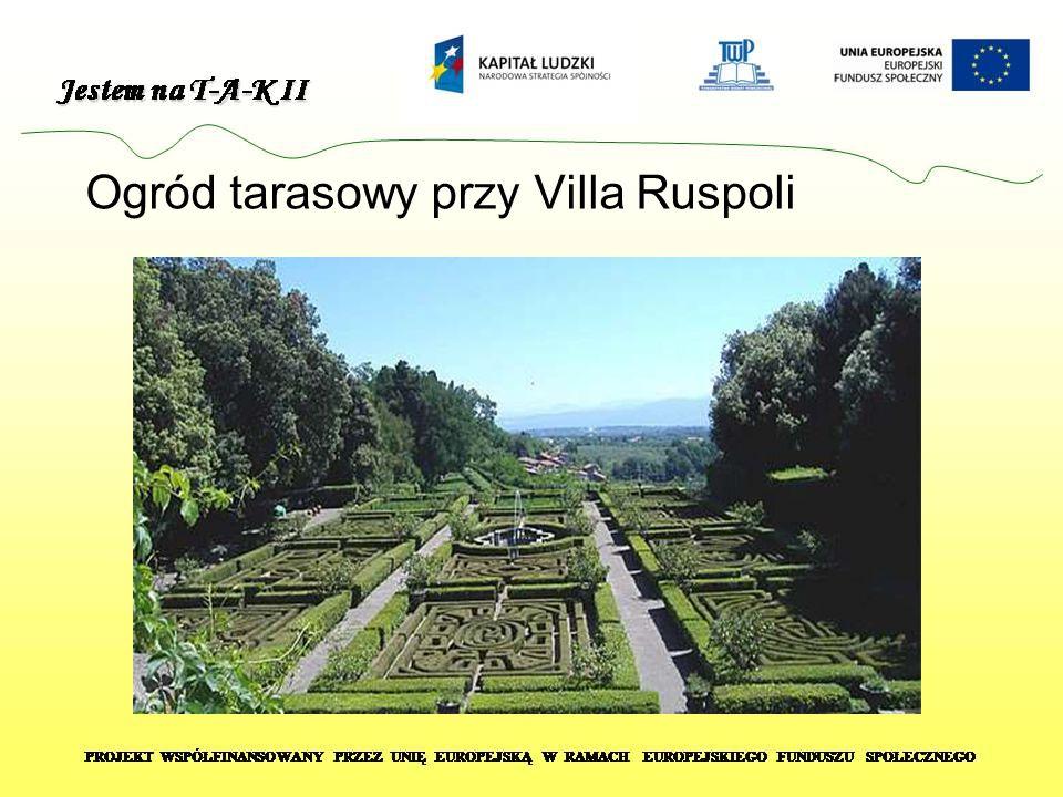 Formalny ogród renesansowy poprzedzający dwa symetryczne pałace i osiowy system schodzących ze zbocza wzgórza fontann i iwodospadów Urządzenia wodne ogrodu Villa Lante