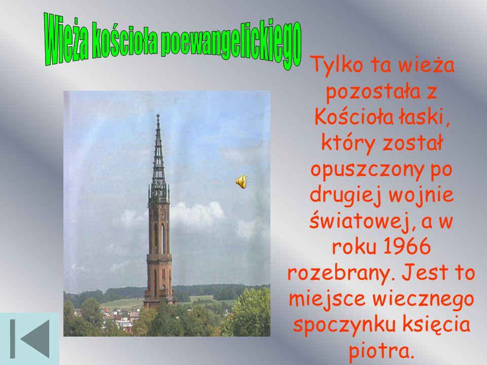 Tylko ta wieża pozostała z Kościoła łaski, który został opuszczony po drugiej wojnie światowej, a w roku 1966 rozebrany. Jest to miejsce wiecznego spo
