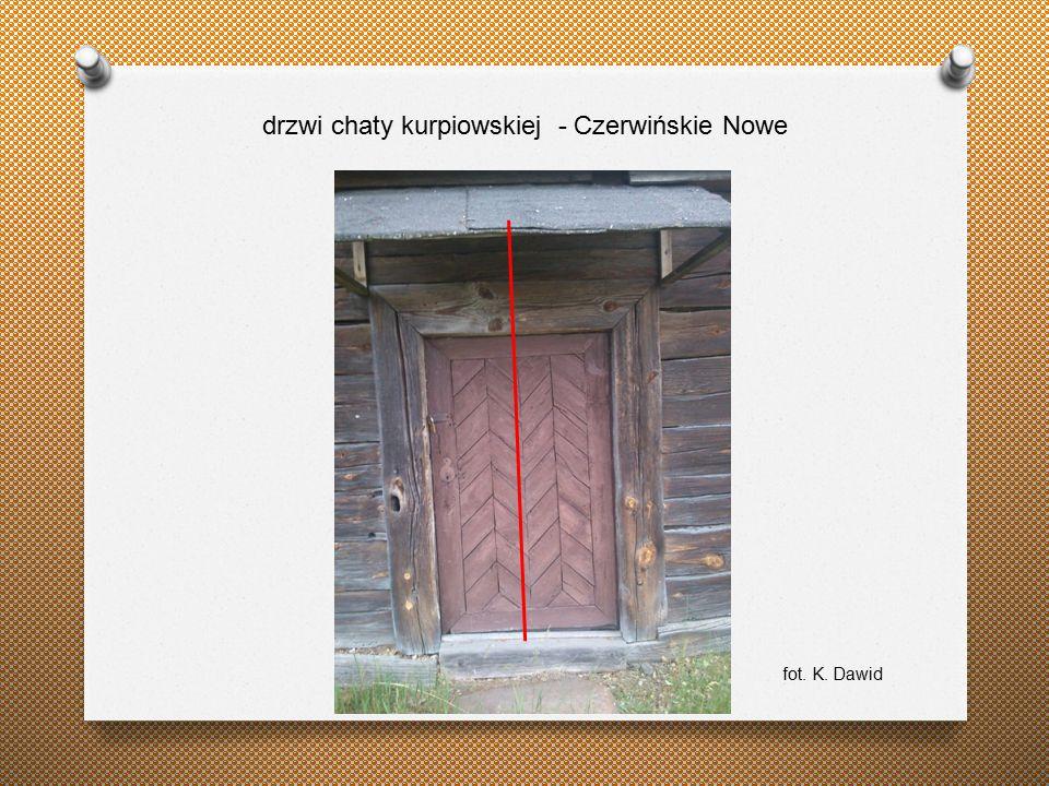 drzwi chaty kurpiowskiej - Czerwińskie Nowe fot. K. Dawid