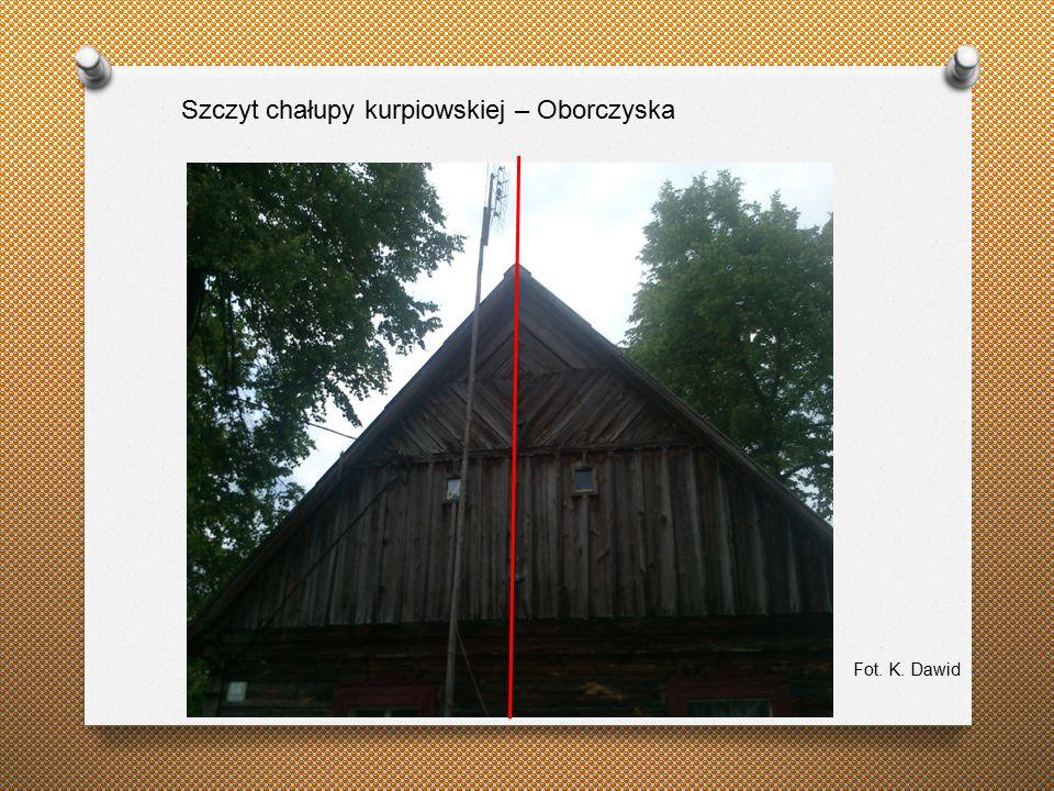 Szczyt chałupy kurpiowskiej – Oborczyska Fot. K. Dawid