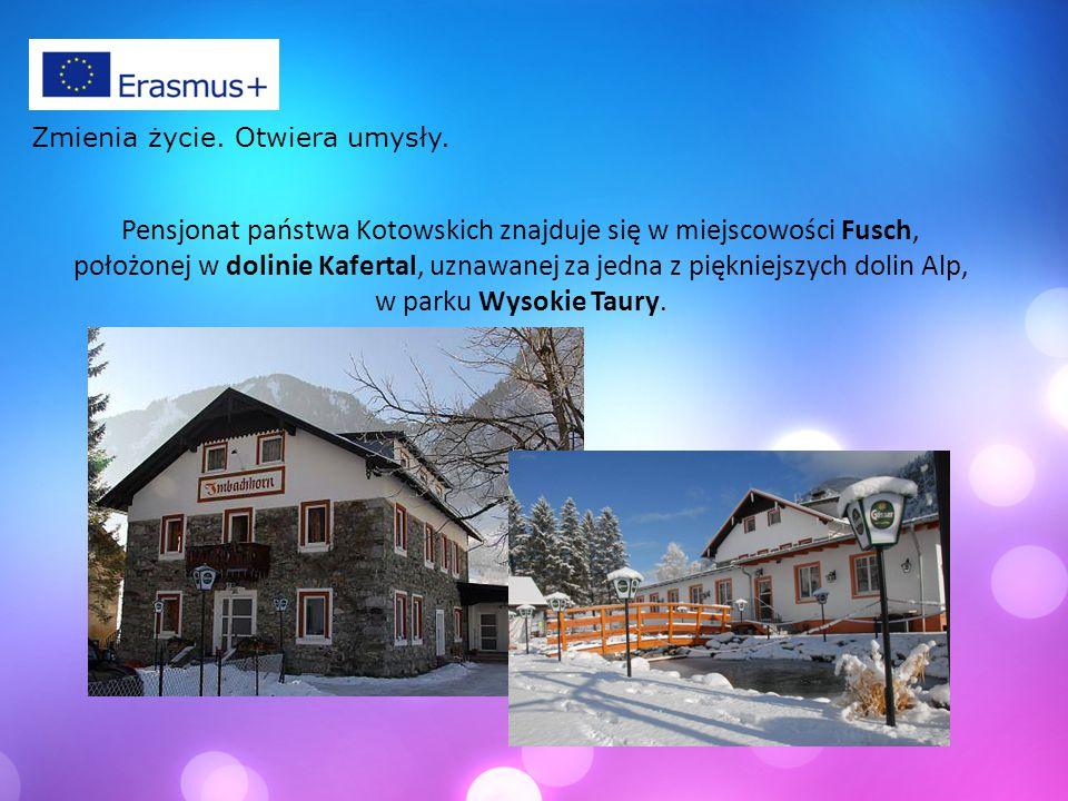 Pensjonat państwa Kotowskich znajduje się w miejscowości Fusch, położonej w dolinie Kafertal, uznawanej za jedna z piękniejszych dolin Alp, w parku Wysokie Taury.