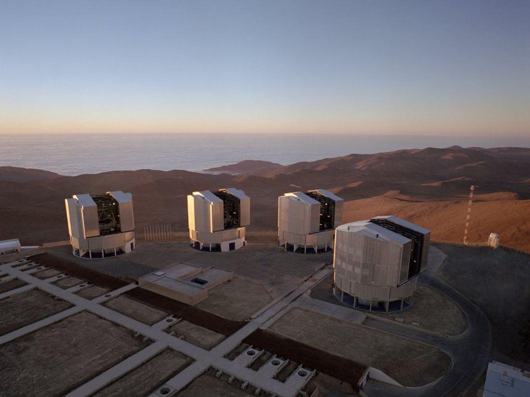 2015-07-15 T.J.Jopek, Astrofizyka z elementami kosmologii 16 ESO VLT interferometr 1999 ESO Paranal VLTI