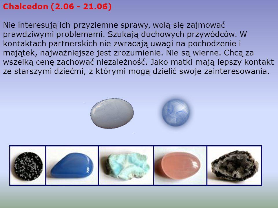 Agat - kamień wewnętrznego ognia Agat jest odmianą chalcedonu, skrytokrystaliczną odmianą kwarcu. Występuje w wielu żywych barwach (czerwień, róż, zie