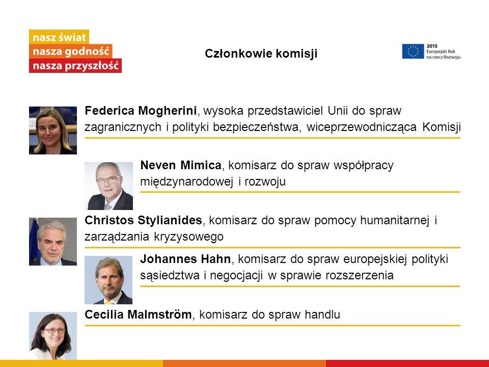 Członkowie komisji Neven Mimica, komisarz do spraw współpracy międzynarodowej i rozwoju Cecilia Malmström, komisarz do spraw handlu Johannes Hahn, kom