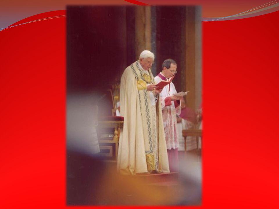 OWMR 43: Wierni stoją od rozpoczęcia śpiewu na wejście albo od początku wejścia kapłana do ołtarza aż do kolekty włącznie; podczas śpiewu Alleluja prz