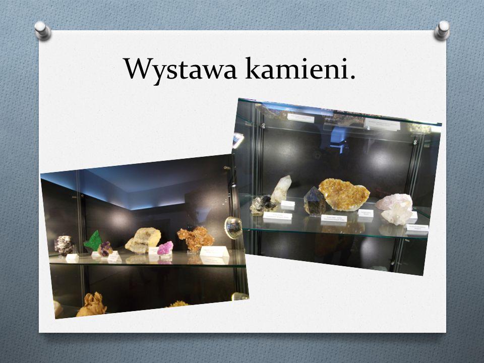 Wystawa kamieni.