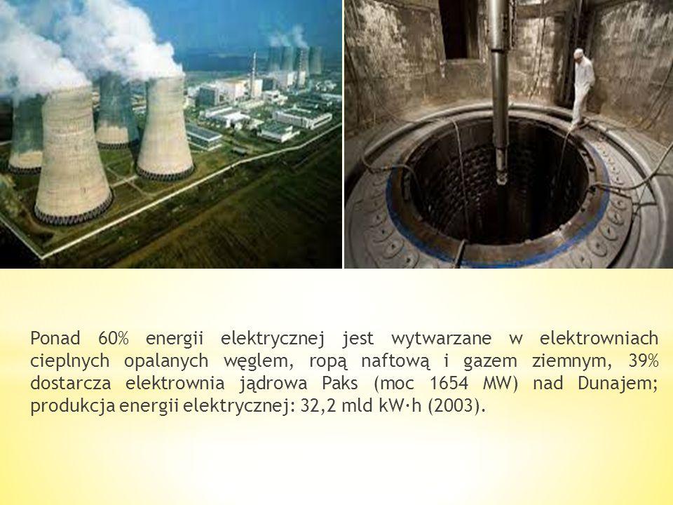 * Eksploatuje się węgiel kamienny (góry Mecsek), * węgiel brunatny (Średniogórze Zadunajskie — m.in. w Tatabánya, Średniogórze Północnowęgierskie), *