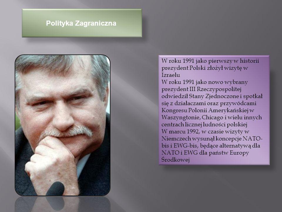 Polityka Krajowa W roku 1992 przyczynił się do obalenia rządu Jana Olszewskiego po opublikowaniu tzw.