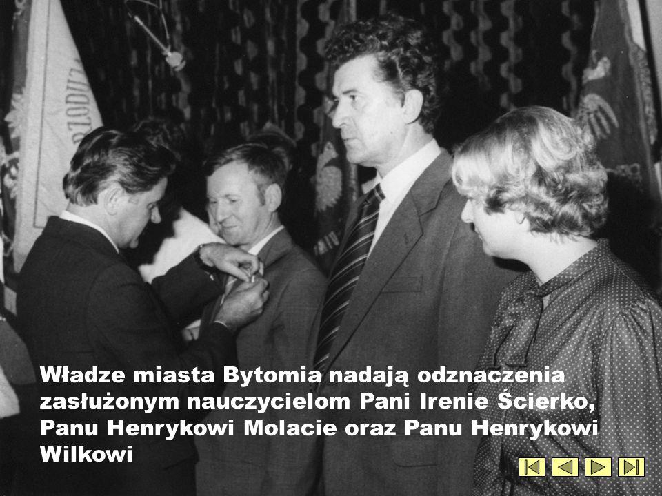 Zasłużeni dla bytomskiej oświaty i edukacji pedagodzy: prof. Wanda Markowska z-ca dyr. Józef Wilk