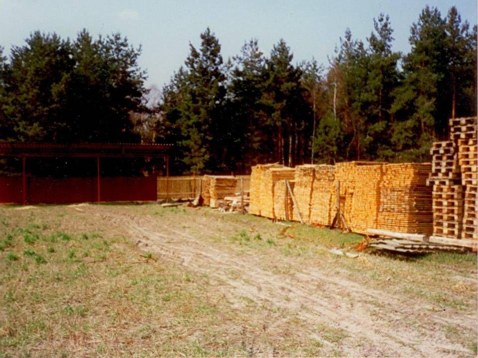 1993 rozpoczęcie współpracy ze Swedwood Zbąszyń (toczenie w drewnie, produkcja okuć z tworzyw sztucznych) In 1993 we start cooperation with Swedwood Zbąszyń (wood turning, plastic fittings).