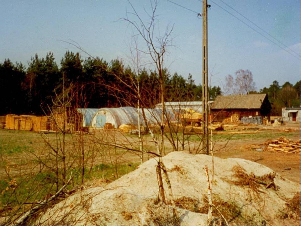 1990 rozpoczęcie na dużą skalę handlu skórami surowymi świńskimi i bydlęcymi.