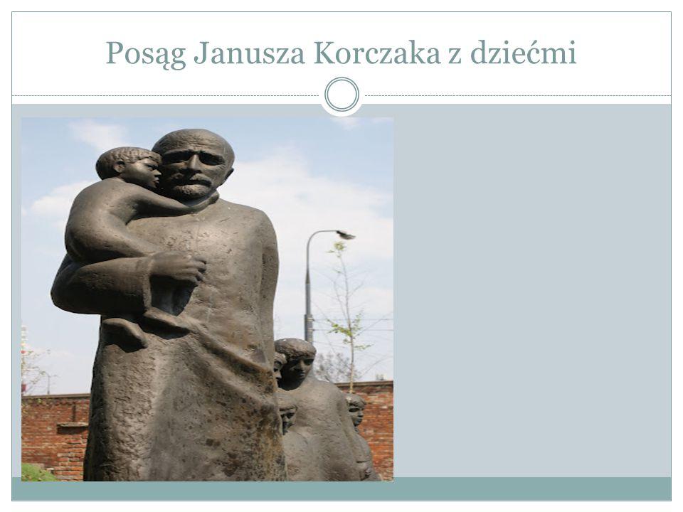 Posąg Janusza Korczaka z dziećmi