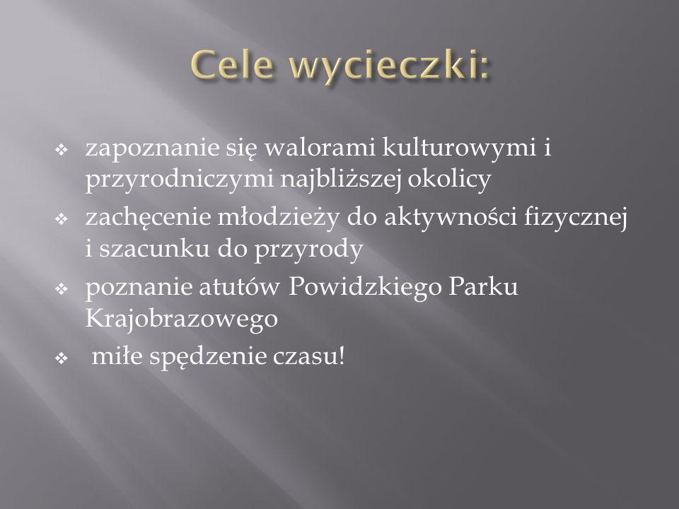 Na terenach leśnych niedaleko miejscowości Mlecze i Kosakowo można spotkać stada danieli, które są pod ścisłą ochroną.
