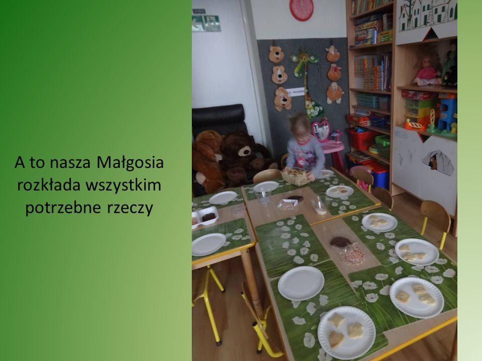 MATEMATYKA W NASZYM OTOCZENIU Wyszukiwanie figur geometrycznych Ćwiczenie spostrzegawczości dzieci Ćwiczenie pamięci najmłodszych