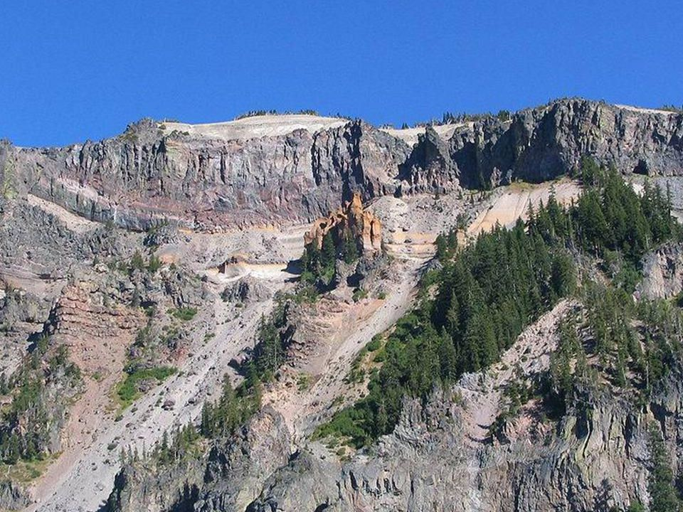Park Narodowy Crater Lake znajduje się w południowym stanie Oregon (USA) i został założony w 1902 roku.