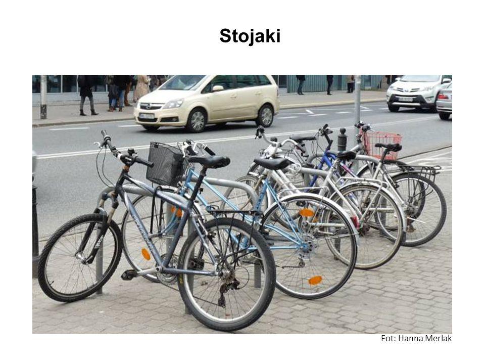 Stojaki Fot: Hanna Merlak