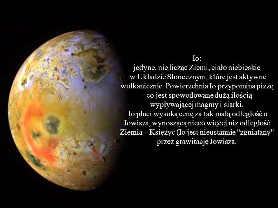 Europa: istnienie życia jest tam bardziej prawdopodobne niż na Marsie - przypuszczenia te potwierdza brak kraterów - Europa jest pokryta wielkim, glob
