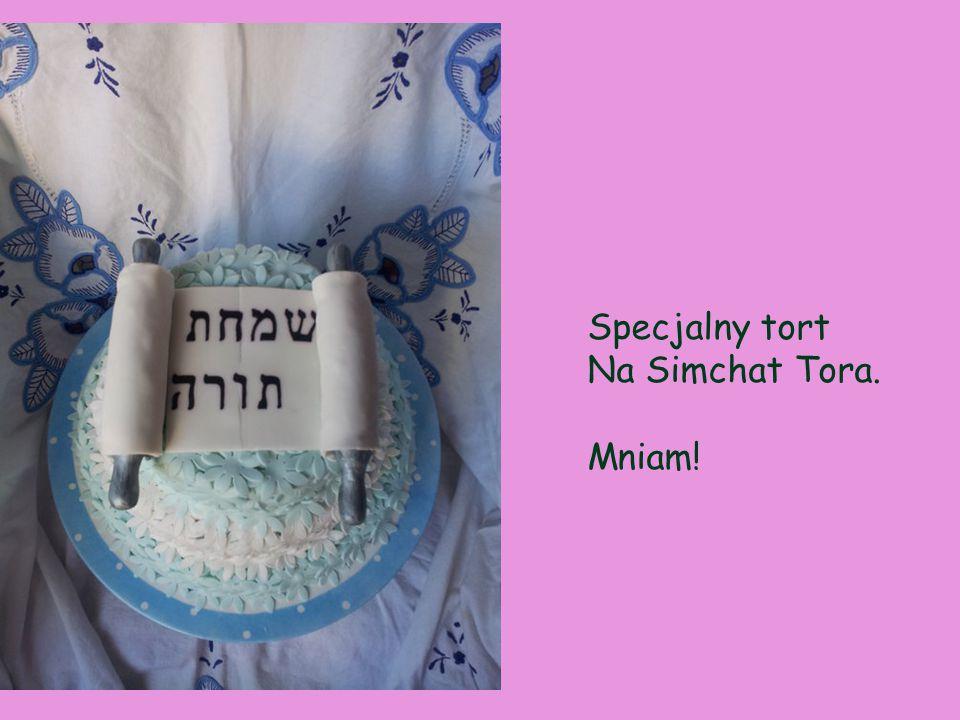 Specjalny tort Na Simchat Tora. Mniam!