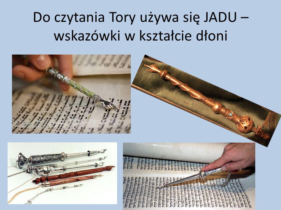 Zwoje w synagodze przechowuje się w Aron Ha-Kodesz, Świetej Szafie Była ona wzorem dla naszego Tabernakulum.