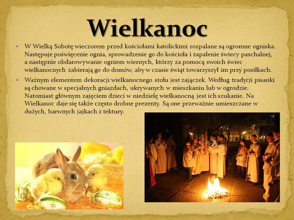 """W Niemczech Zielone Świątki są świętem ustawowo wolnym od pracy, którego nazwa pochodzi od greckiego """"pentecoste hemera ."""