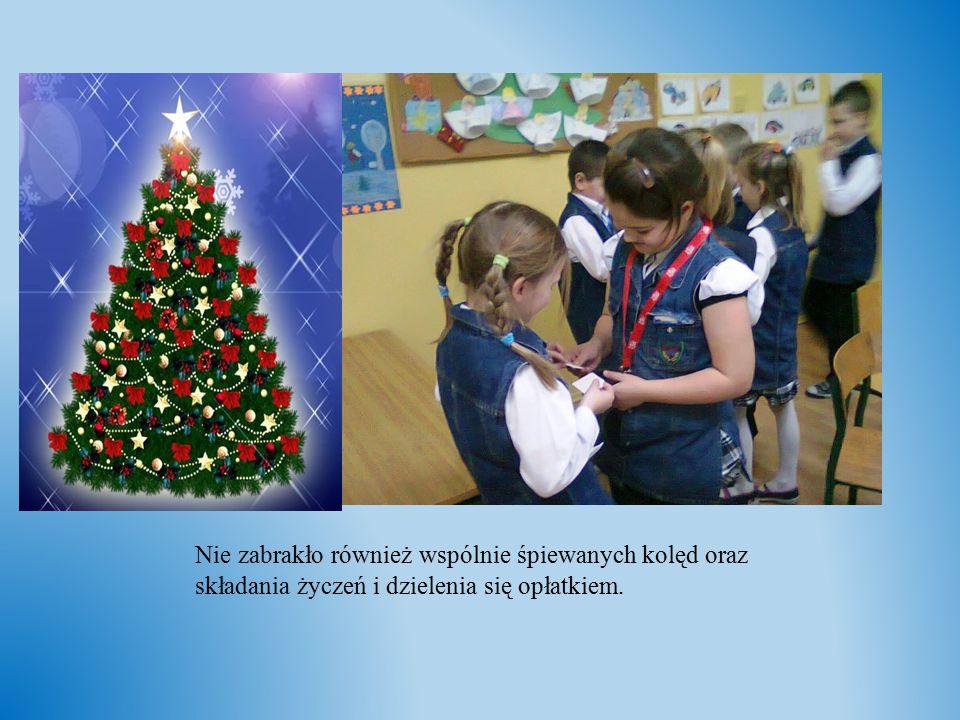 Nie zabrakło również wspólnie śpiewanych kolęd oraz składania życzeń i dzielenia się opłatkiem.