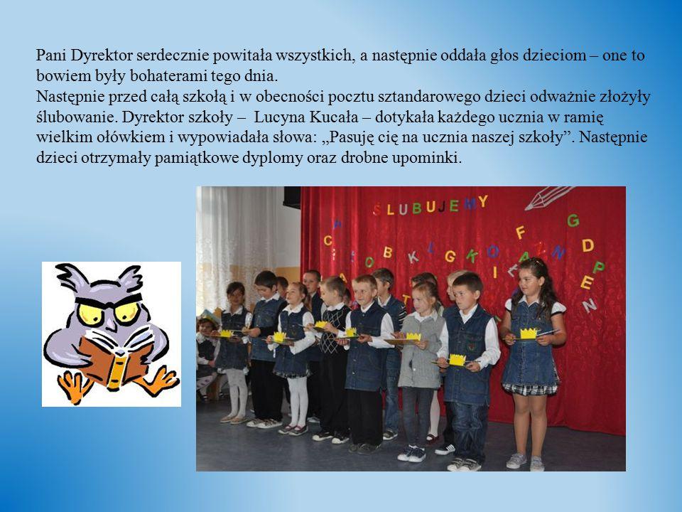 Pani Dyrektor serdecznie powitała wszystkich, a następnie oddała głos dzieciom – one to bowiem były bohaterami tego dnia. Następnie przed całą szkołą