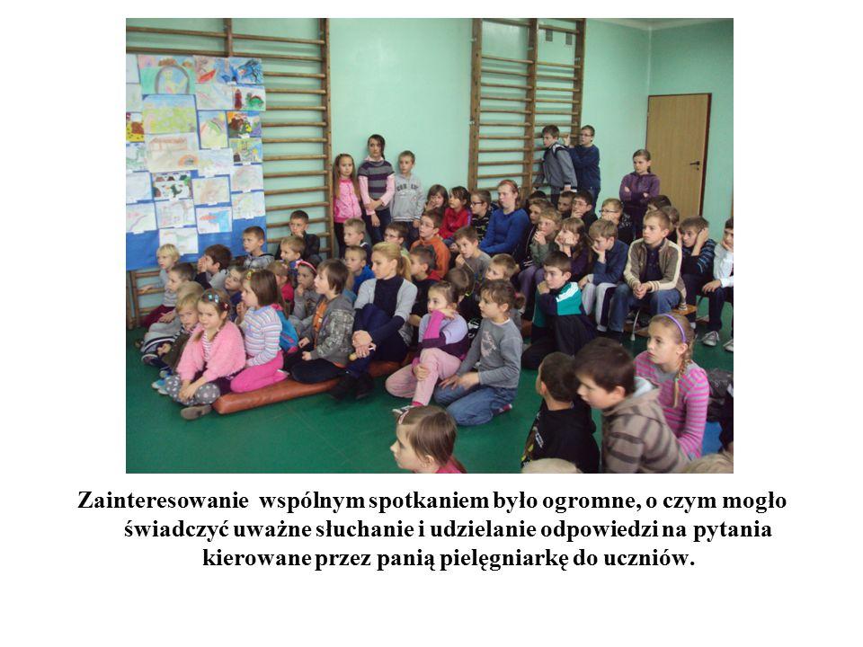 Zainteresowanie wspólnym spotkaniem było ogromne, o czym mogło świadczyć uważne słuchanie i udzielanie odpowiedzi na pytania kierowane przez panią pielęgniarkę do uczniów.