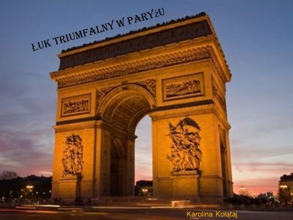 Łuk triumfalny wybudowany został na placu Charles'a de Gaulle'a w Paryżu.