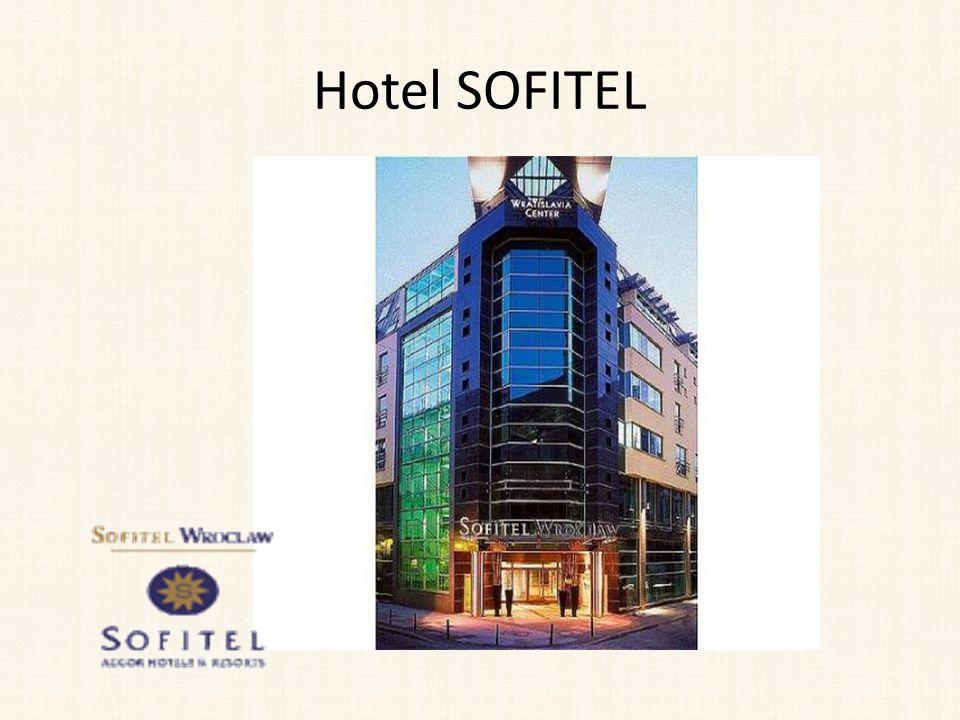 Pokoje Hotel dysponuje 205 miejscami noclegowymi w: Pokojach klasycznych Pokojach typu superior Pokojach luksusowych Pokojach typu Junior Suite Apartament Prestige Apartament operowy