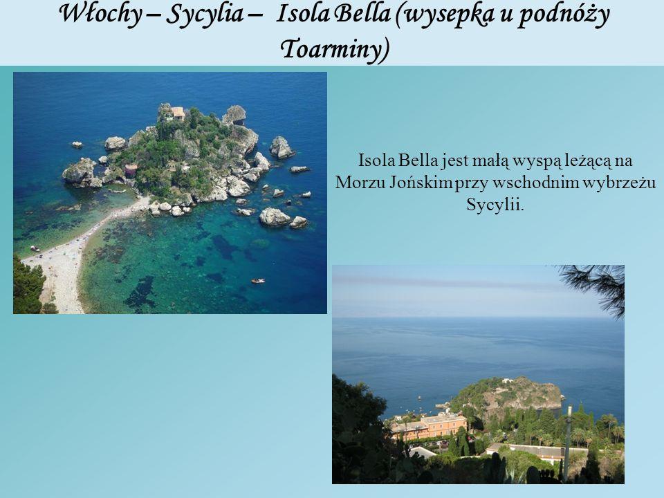 Włochy – Sycylia – Isola Bella (wysepka u podnóży Toarminy) Isola Bella jest małą wyspą leżącą na Morzu Jońskim przy wschodnim wybrzeżu Sycylii.