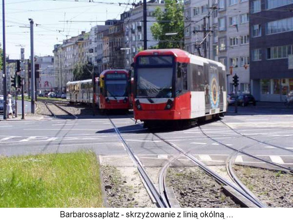 Barbarossaplatz - skrzyżowanie z linią okólną...